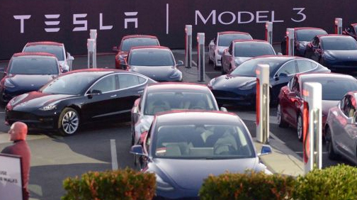 טסלה 3 מכונית חשמלית