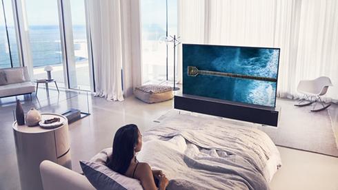 טלוויזיה עם מסך גמיש של LG , צילום: LG