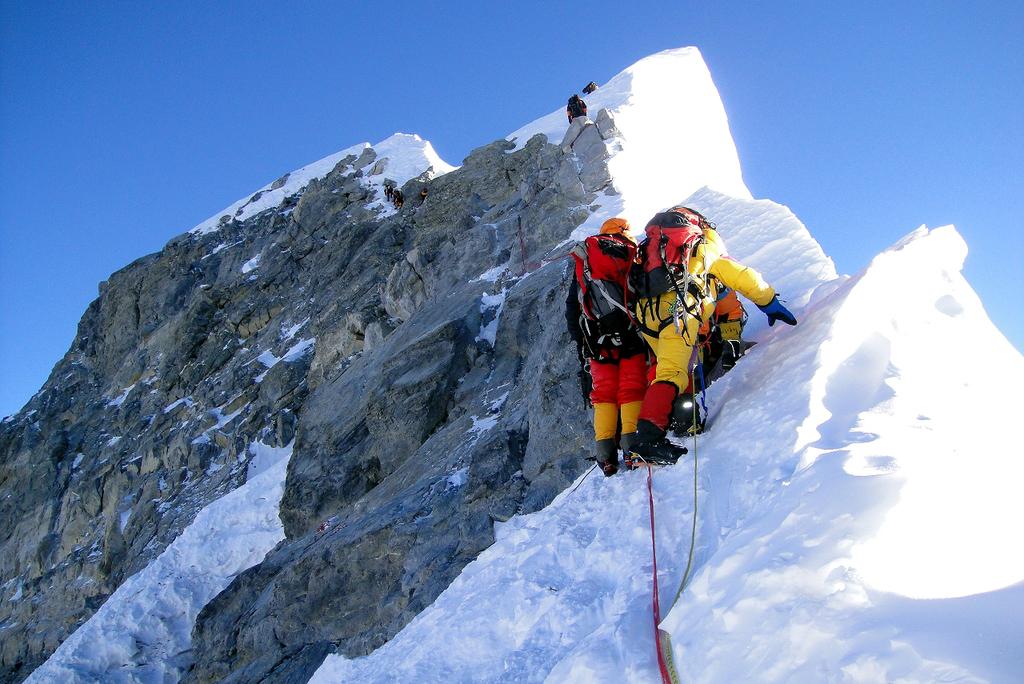 פסגת אוורסט מטפסי הרים פסגה
