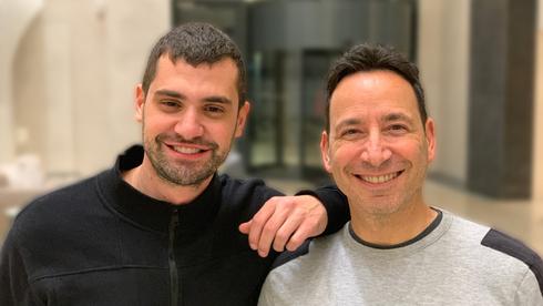 מימין מייקל ניקוסיה ורועי אליהו, צילום: יסמין לוקאץ