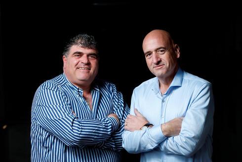 מימין: פיני יעקובי ואמיר יעקובי אחים והבעלים של חברת YSB, צילום: עמית שעל