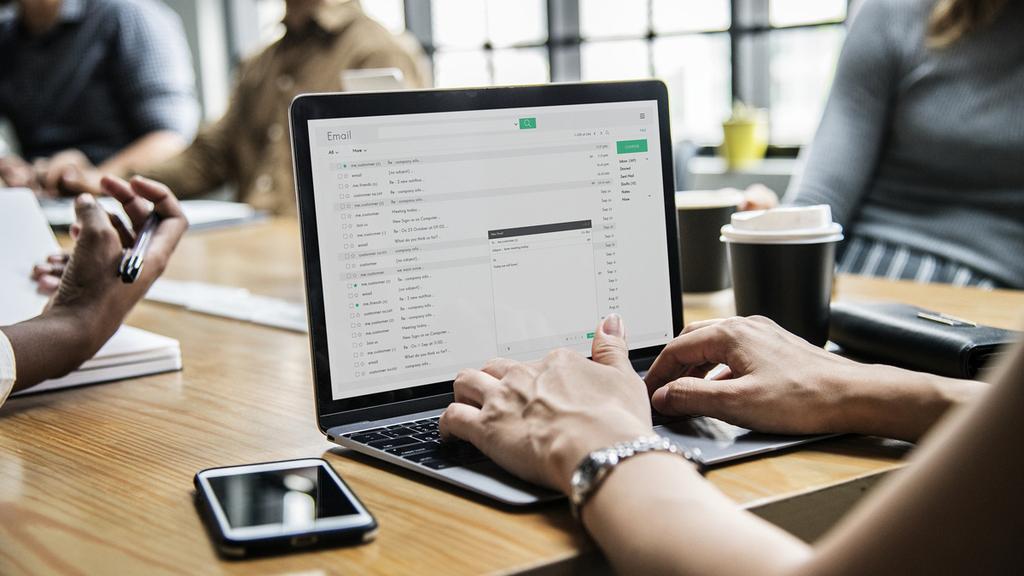מחשב לפטופ עבודה מייל סטודנט