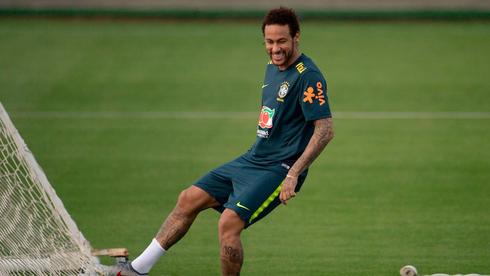 ניימאר באימון, נבחרת ברזיל, צילום: AFP