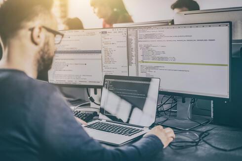 מתכנתים, ארכיון, צילום: שאטרסטוק