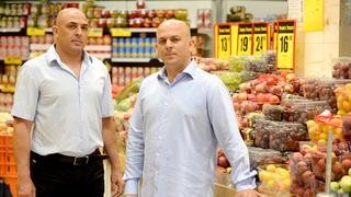 מימין שלומי אמיר ו יוסי אמיר בעלי פרשמרקט, צילום: מורג ביטן
