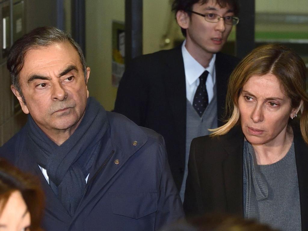 """קרלוס גוהן, לשעבר מנכ""""ל ניסאן ורנו: כך נמלטתי מיפן ללבנון בתוך ארגז 940385_0_0_1200_901_0_x-large"""
