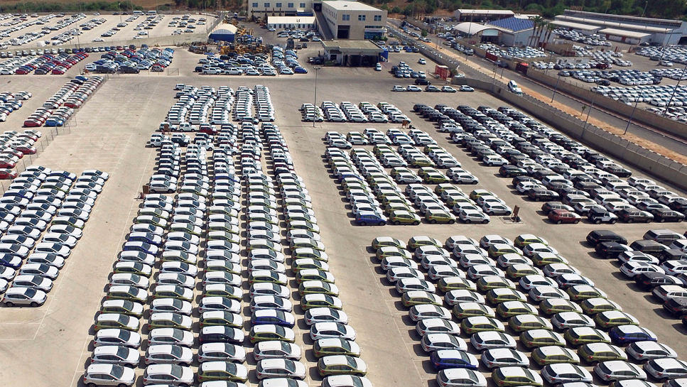 מגרש מכוניות חדשות , צילום: תומריקו