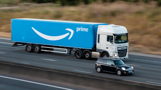 משאית משלוחים של אמזון, צילום: שאטרסטוק