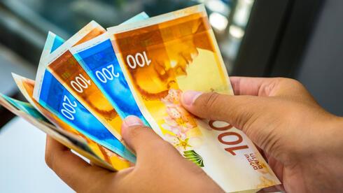 ועדת החוקה אישרה: צמצום נוסף בשימוש במזומן החל מאוגוסט 2022, האכיפה תוגבר
