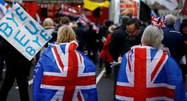 בריסל דוחקת להכין תוכנית מגירה למלחמת סחר בבריטניה