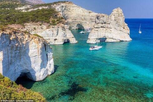 מילוס יוון Kleftiko Beach, Milos החופים היפים 2020, צילום: שאטרסטוק
