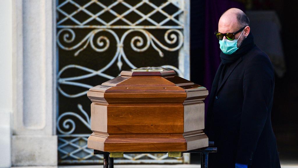 הלוויה איטליה קורונה וירוס 1