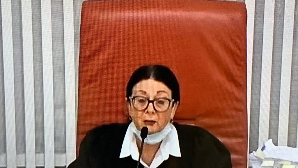 """בג""""ץ הקפיא את החלטת הממשלה למנות את אקוניס לשר המשפטים"""