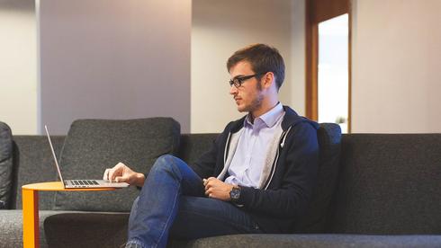 מיום ראשון: רק 50% מעובדי השירות הציבורי יהיו במקום העבודה בו-זמנית
