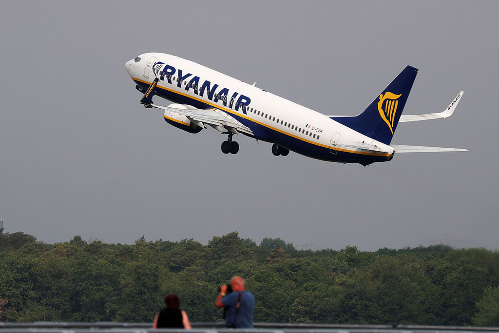 Ryanair Airlines Flight Plane