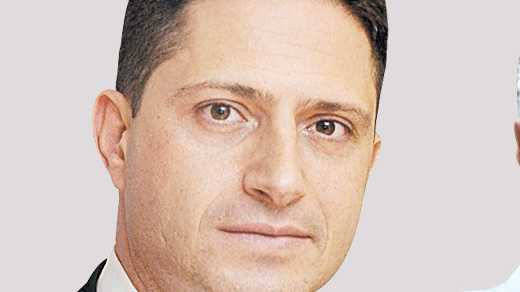 מימין אבירם דהרי ראש עיריית קריית גת ו רוביק דנילוביץ ראש עיריית באר שבע