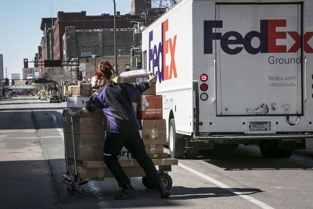 חברת משלוחים פדקסFedEx  ניו יורק
