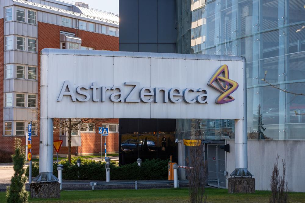 """""""אסטרזניקה הסכימה שכמעט כל החיסונים המיוצרים בהולנד - יישארו באיחוד"""""""