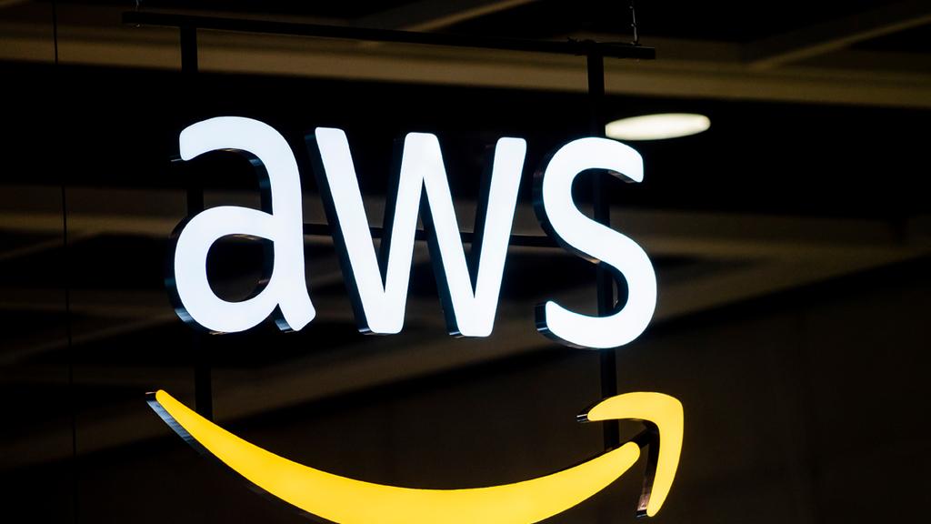 Amazon Web Services AWS logo שירות האינטרנט של אמזון