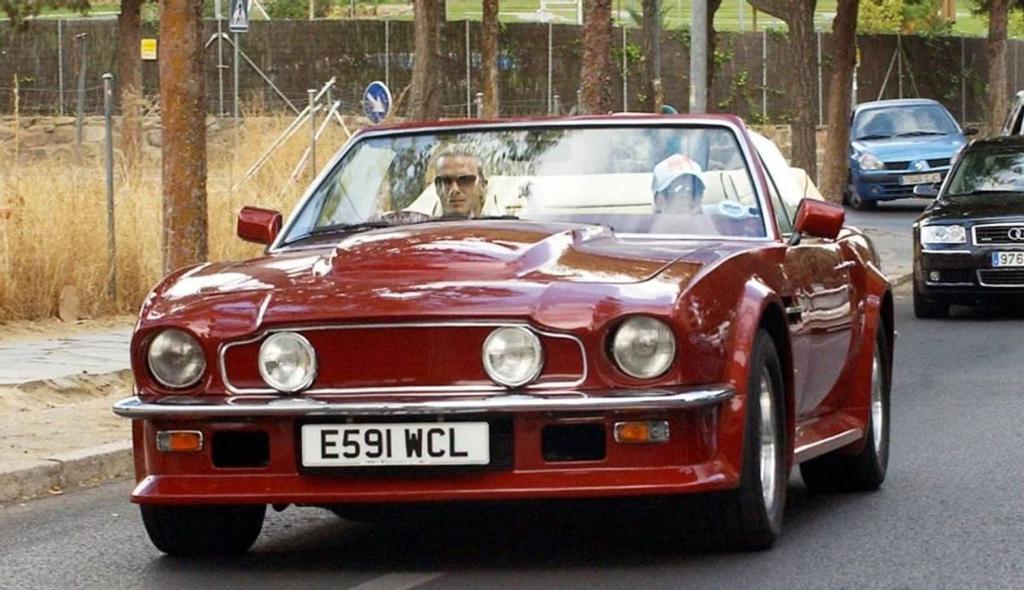 אסטון מרטין V8 Volante דיוויד בקהאם למכירה 1
