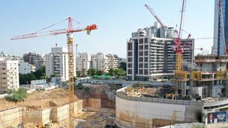 בניין באתר בנייה
