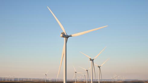 האנרגיה המתחדשת רשמה ב-2020 את הגידול החד זה 21 שנה - 45%