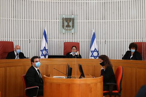 נשיאת בית המשפט העליון  אסתר בראש הרכב שופטים. החלטה לגבי חוקי יסוד, צילום: עמית שאבי
