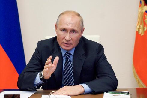 """ארה""""ב מגרשת 10 דיפלומטים רוסים, מוסקבה: """"אתם תשלמו"""""""