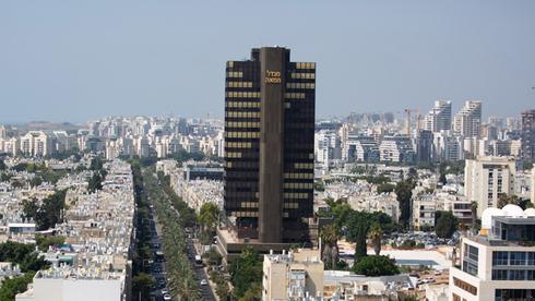 מגדל המאה בתל אביב. מאוחדת מתפרסת על 11 קומות, צילום: בלומברג