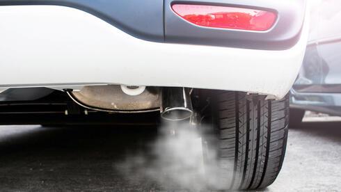 המבקר: עיקר זיהום האוויר בערים - מרכב פרטי; לא מעודדים מספיק שימוש ברכב נקי