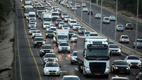 פקק בכביש שתיים, צילום: יריב כץ