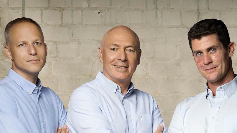"""מימין: איתמר גירון, מוטי קירשנבאום ויובל גייער, שותפי הקרן. """"לוד נהנית מצמיחה"""" , צילום: רמי זרנגר"""