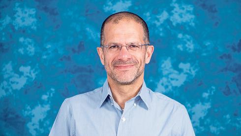 פרופ' ינון אשכנזי. להיערך לעלייה בתחלואה הקשה, צילום: דוברות האוניברסיטה העברית