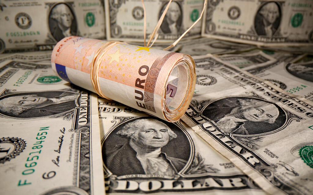 דולר יורו מטבעות שטרות כסף