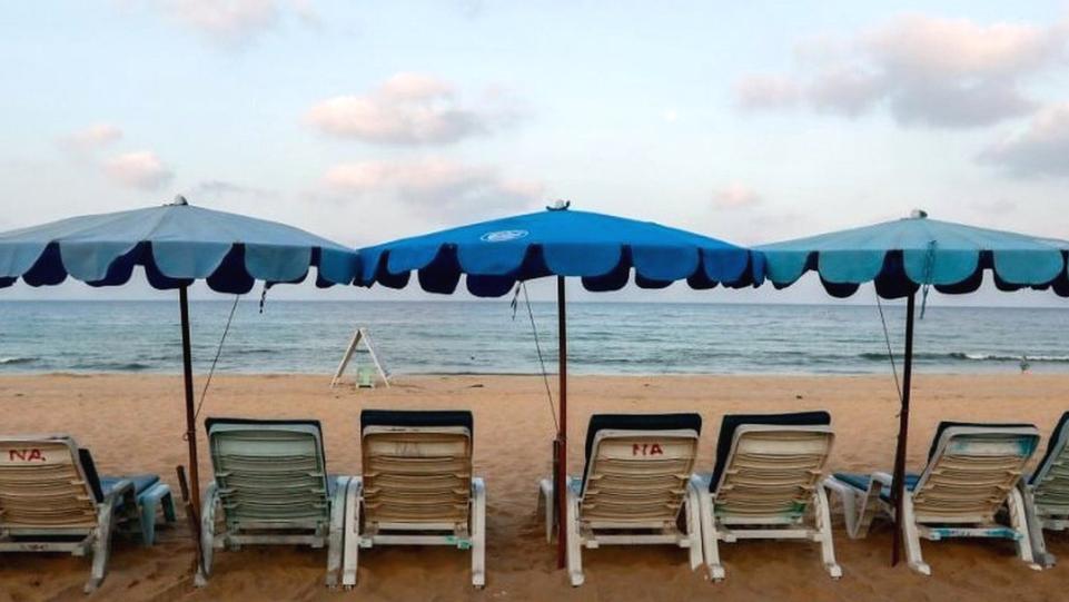 חוף ריק פוקט קורונה תיירות תאילנד