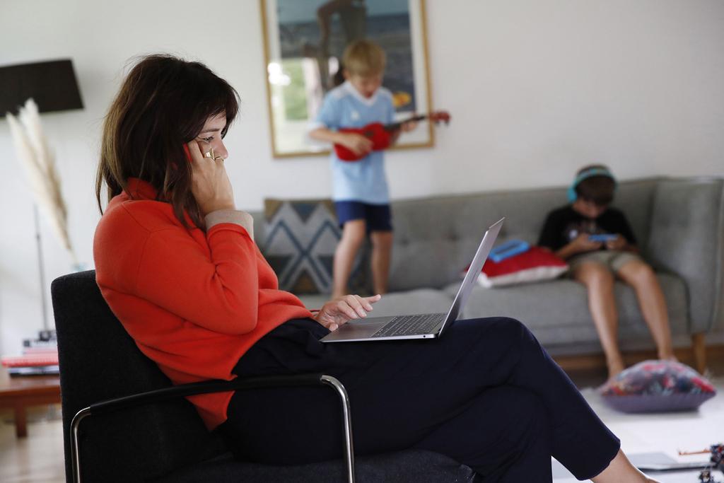 עבודה מהבית אמא אם עובדת עבודה מרחוק