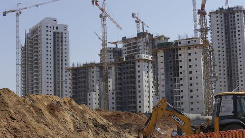 בנייה למגורים ברמלה , צילום ארכיון: עמית שעל