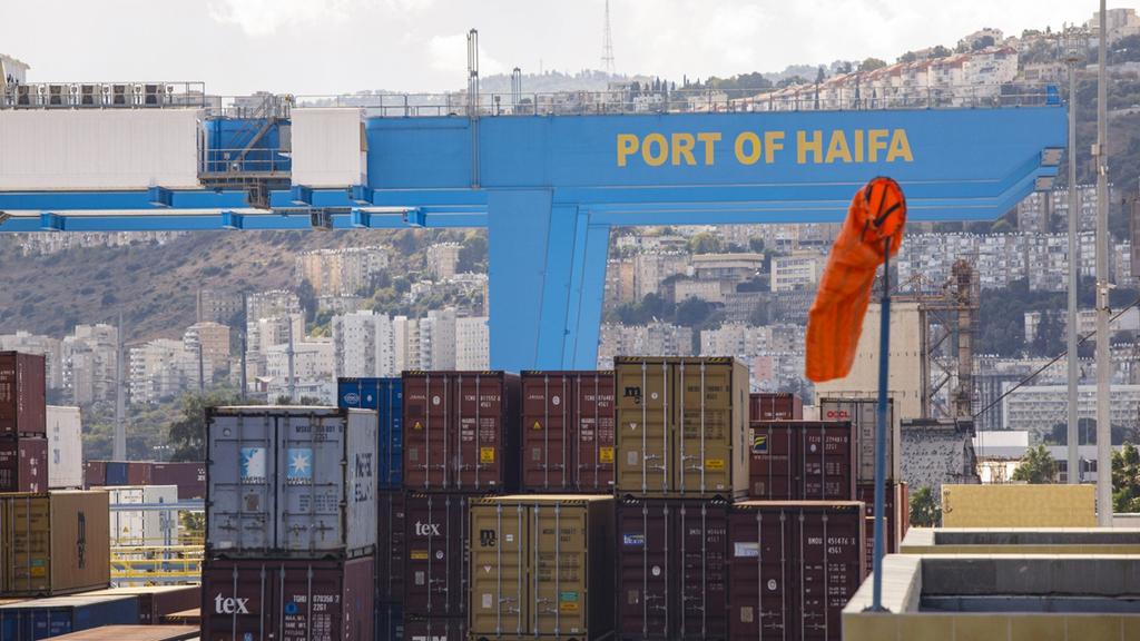 סחורה בנמל חיפה (ארכיון), צילום: בלומברג
