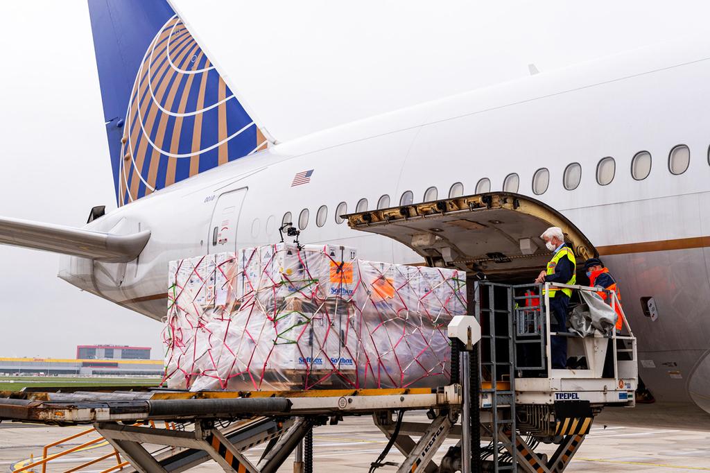 קורונה חיסונים פייזר נמל התעופה או'האר שיקגו