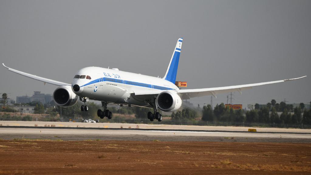 """מטוס אל על 787 ממריא מ נתב""""ג"""