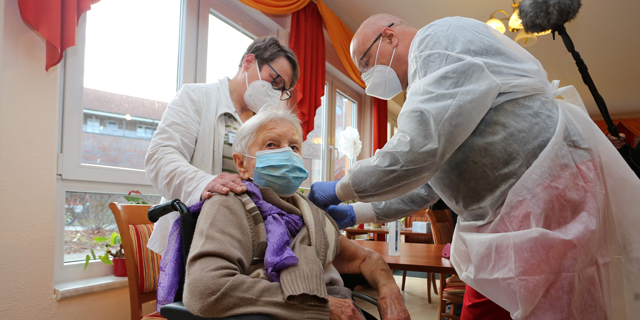 חיסון פייזר בגרמניה, צילום: אי.אף.פי