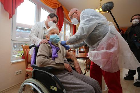 חיסון לקורונה בגרמניה, צילום: אי.אף.פי