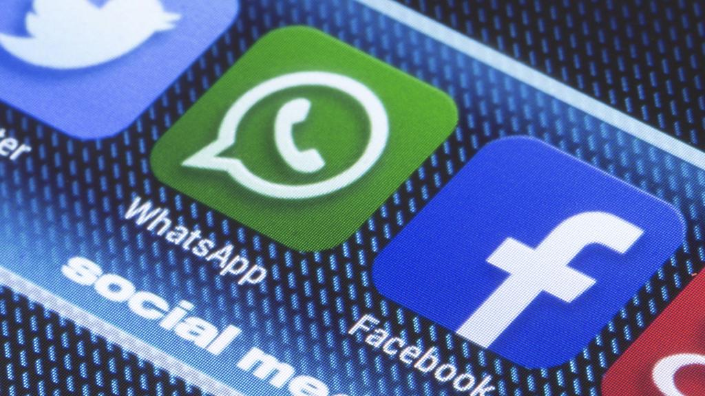 ווטסאפ ו פייסבוק