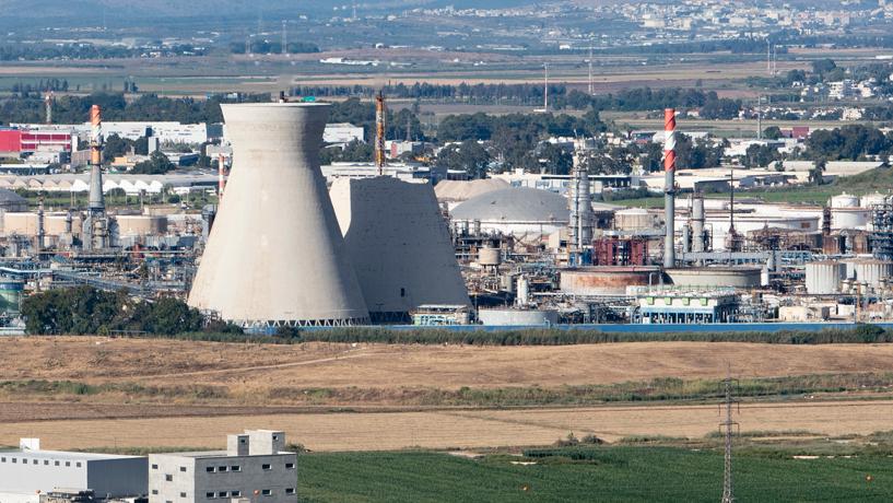 שוב תקלה בבזן: לפיד הבטיחות הופעל ועשן שחור היתמר ממפרץ חיפה