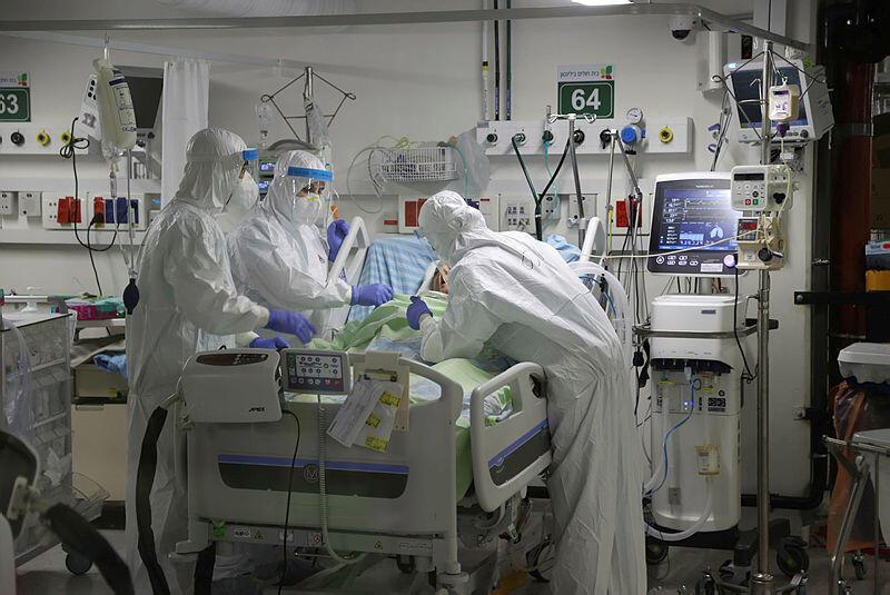 צוות רפואי מחלקת קורונה בית חולים בלינסון עומס