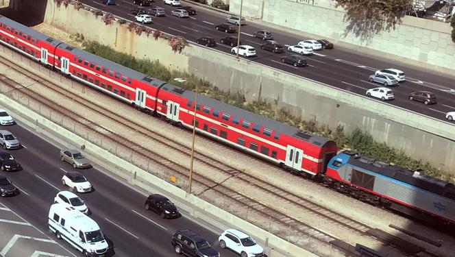 רכבת על תוואי איילון, צילום: ערן גרנות