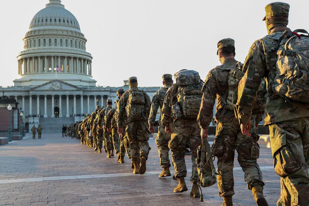 השבעת ביידן חיילים המשמר הלאומי קפיטול וושינגטון
