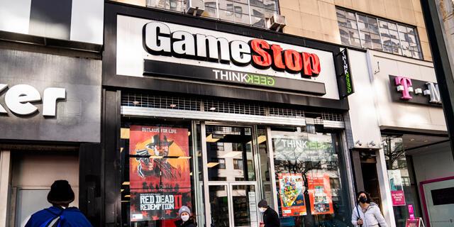 חנות גיימסטופ GameStop משחקי מחשב מנהטן ניו יורק