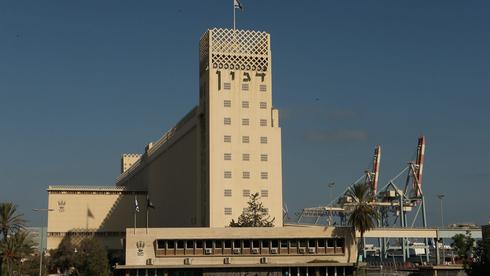 ממגורות דגון, שהפסידה במכרז בחיפה, עתרה לבית המשפט: לפסול את הזוכה במכרז