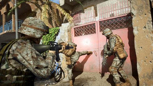 לא היסטוריה, תעמולה., מתוך המשחק Six Days in Fallujah